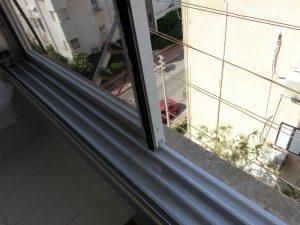 החלפת גלגלים לחלון הזזה
