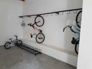 מתקן אופניים ברזל מגולוון בצבע בתנור